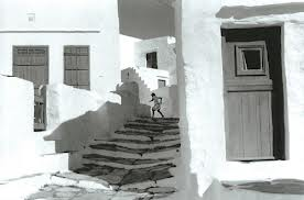 Henri Cartier-Bresson, girl running