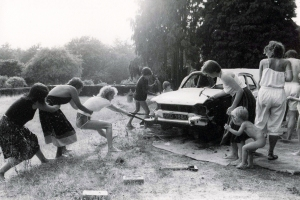 F.W. car- smashing 1