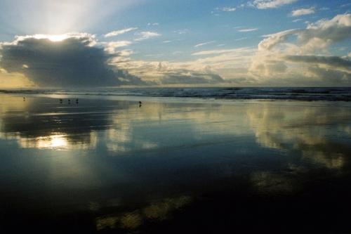 Moroc, mirror clouds, birds - low